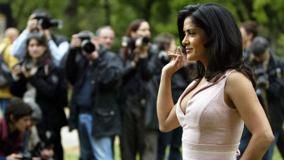 Side Pose Of Salma Hayek Ask The Dust Photocall Rome